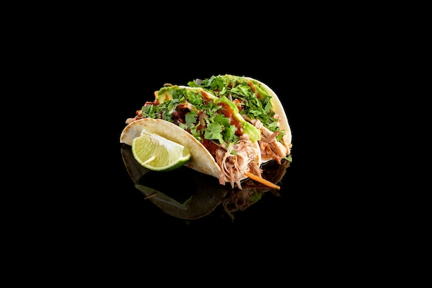 Kalbs-tacos mit sauce