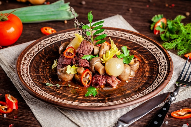 Kalbsschnitzel mit champignons.