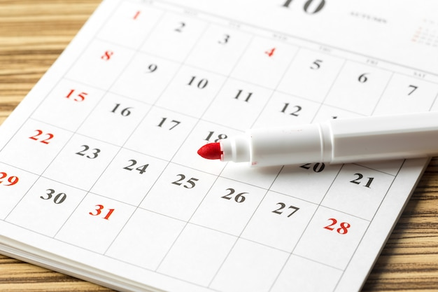 Kalender auf dem tisch