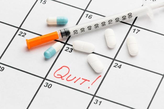 Kalender mit datum für die beendigung der einnahme von pillen