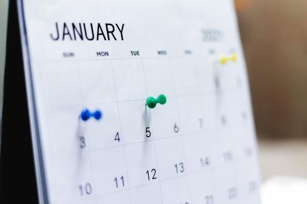 Kalender und geplante termine mit pins.