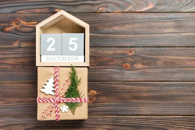 Kalender und geschenkbox