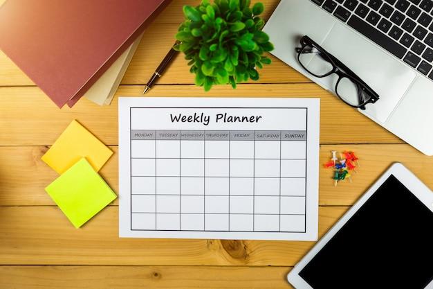 Kalender wochenplan arbeiten oder aktivitäten mit in einer woche.
