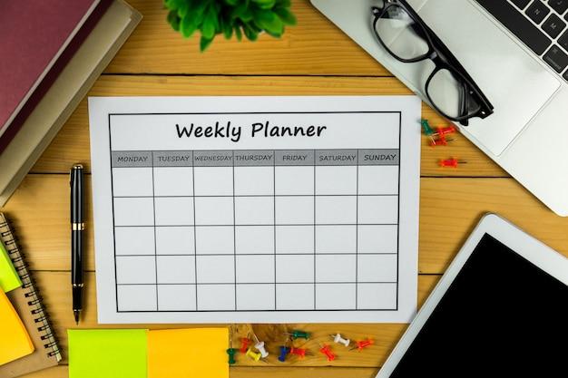 Kalender wöchentlicher plan geschäfte oder aktivitäten in einer woche erledigen.