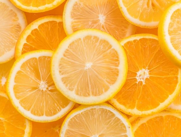Kalk-, zitronen- und orangenscheiben