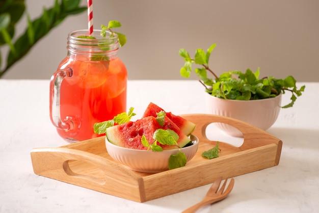 Kalter wassermelonen-smoothie