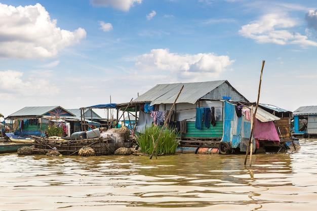 Kambodscha, schwimmendes dorf chong khneas in der nähe von siem reap