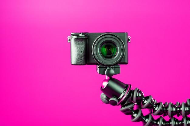 Kamera. nehmen sie videos und fotos für ihr blog oder ihren bericht auf.