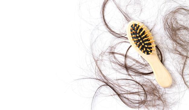 Kammbürste mit haarausfallproblemkonzept