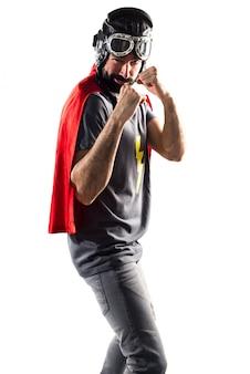 Kampf wütende maske bereit superheld