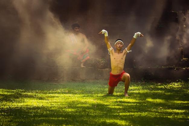 Kampfsportarten von muay thai, thai-boxen,