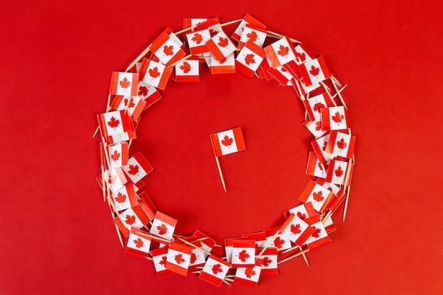 Kanadische flaggen flach legen nationalfeiertag hochwertiges foto