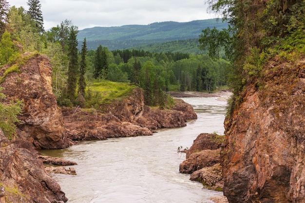 Kanadische landschaften des klondike