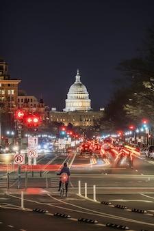 Kapitol-gebäude vereinigter staaten zur dämmerungszeit, washington, dc, die vereinigten staaten von amerika oder usa