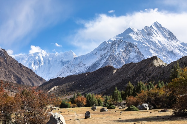 Karakoram gebirgspanorama nahe rush see