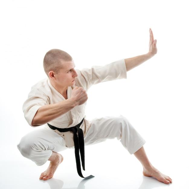 Karate. mann im kimono