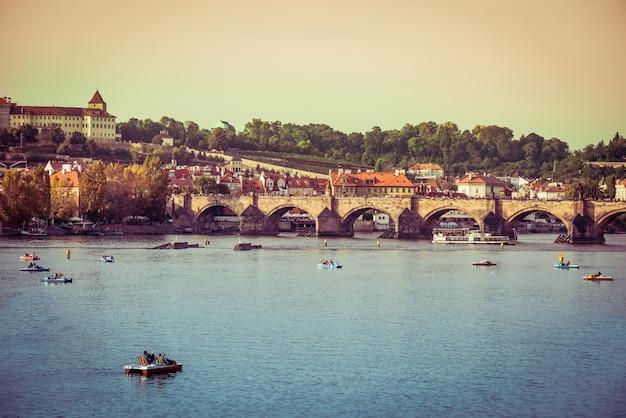 Karlsbrücke und andere sehenswürdigkeiten in prag