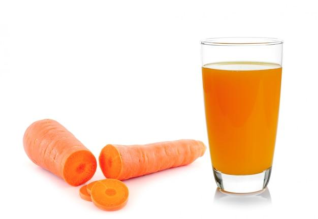 Karottengemüsesaft im glas
