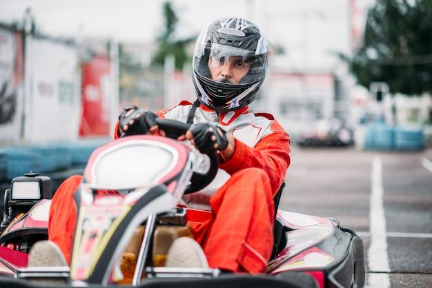Kart-rennfahrer in aktion, go-kart-wettbewerb
