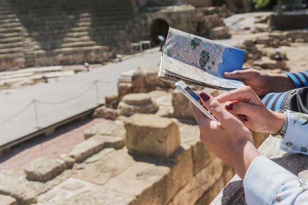 Karte und römische denkmal
