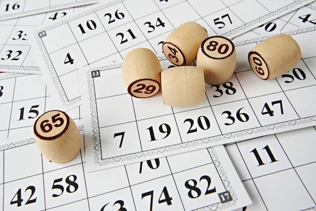 Karten und figuren für das lotto