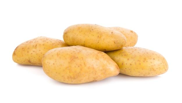 Kartoffel isoliert auf weißer oberfläche