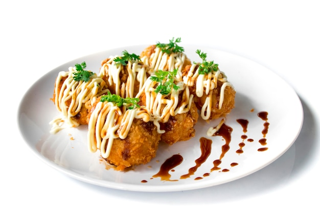 Kartoffel-mozzarella-käsekroketten oder korokke, wie sie auf japanisch genannt werden