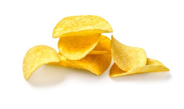 Kartoffelchips isoliert auf einem weiß