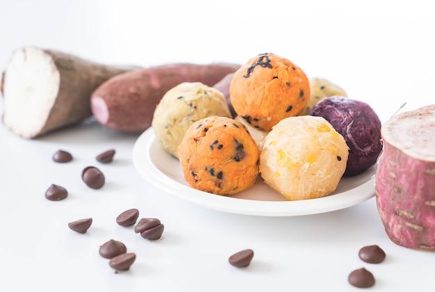 Kartoffelkugeln mit schokolade