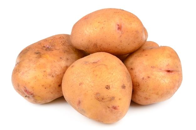 Kartoffeln auf einem weißen