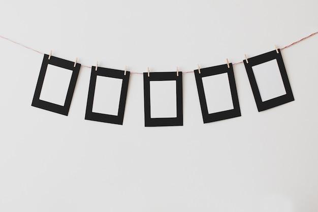 Karton fotorahmen in weißem hintergrund