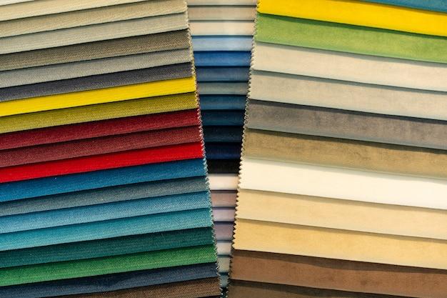 Katalog mehrfarbiger stoffmuster