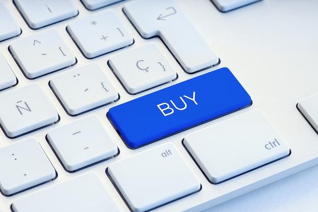 Kaufen sie word auf dem blauen computer keyboard key