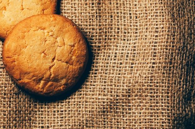 Kekse auf sackleinen