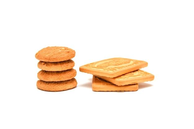 Kekse auf weißem hintergrund