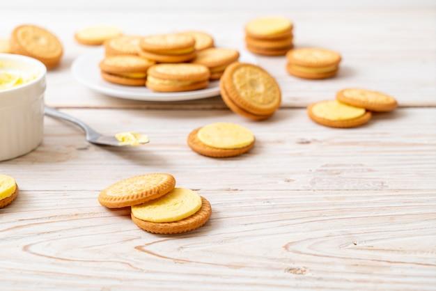 Kekse mit buttercreme