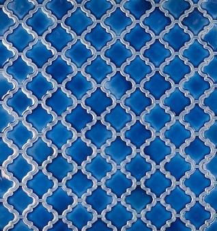 Keramikfliese mit abstraktem geometrischem mosaikmuster für die küche