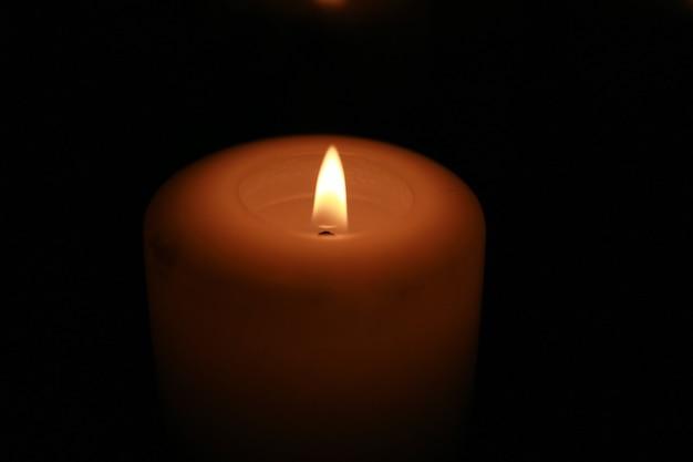 Kerze in einer glasröhre
