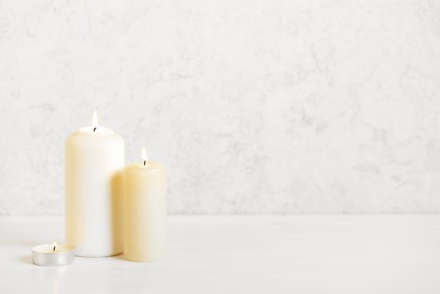 Kerzen mit flamme