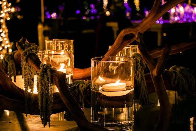 Kerzen und holz