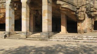 Khandagiri höhlen