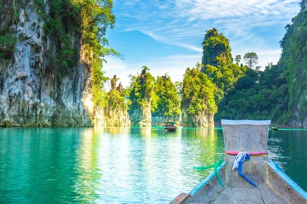 Khao sam kler kalkstein berg, schöne aussicht auf den rajjaprabha dam oder cheow lan dam t