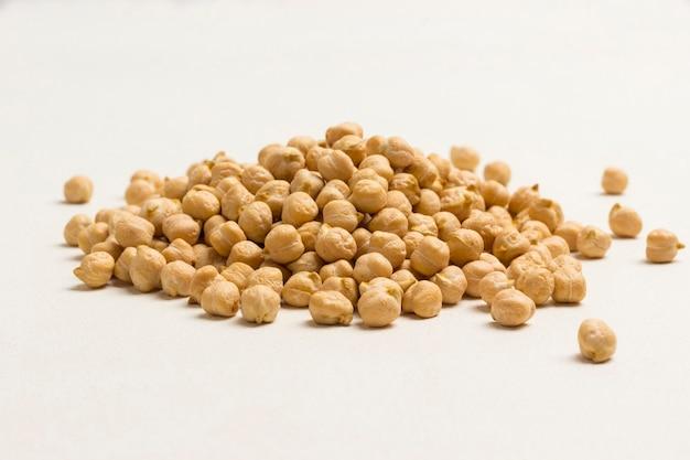Kichererbsen quelle für natürliches protein, vitamine und mineralien. Premium Fotos