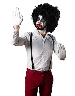 Killer-clown macht den mime