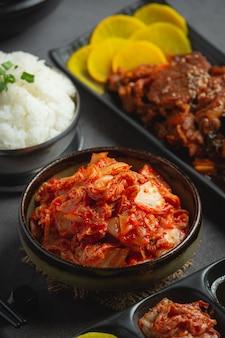 Kimchi bereit, in der schüssel zu essen