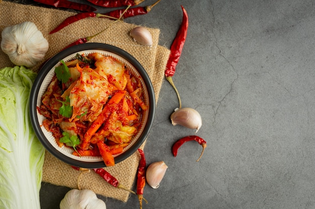 Kimchi essfertig in einer schüssel
