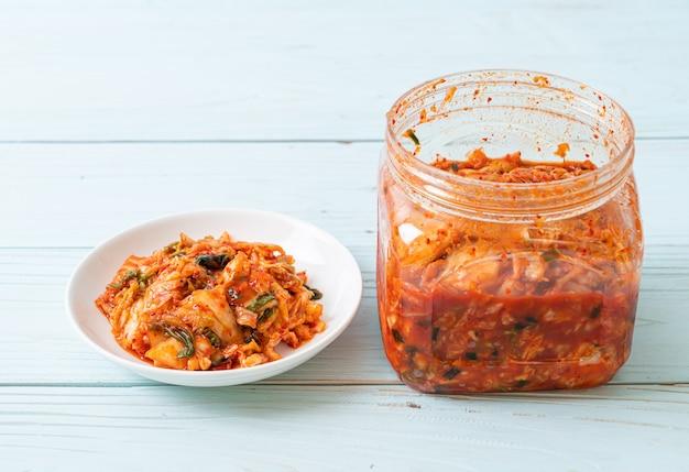 Kimchi kohl auf teller