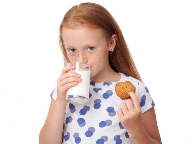 Kind, das plätzchen isst
