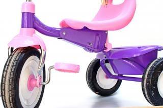 Kind s dreirad