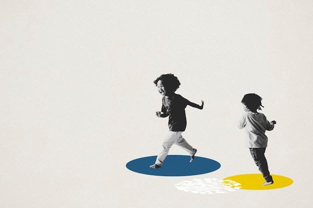 Kinder, die während der coronavirus-pandemie im zimmer herumlaufen